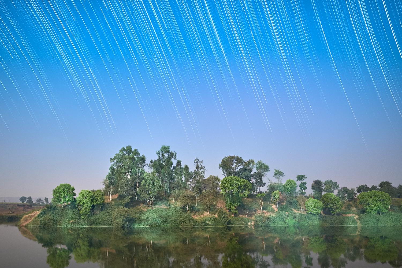 Moon Light Star Trail