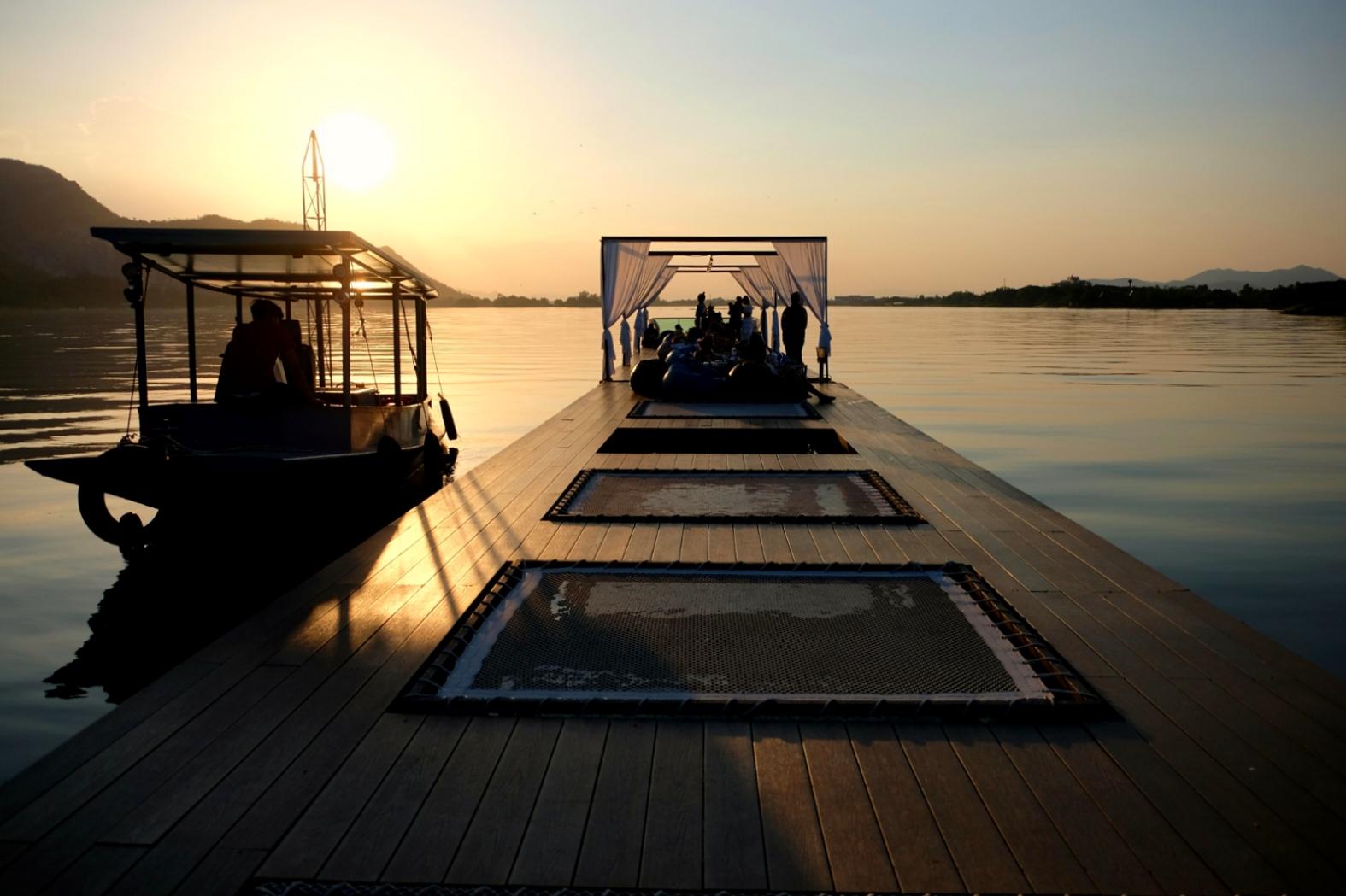 Restaurant Barge